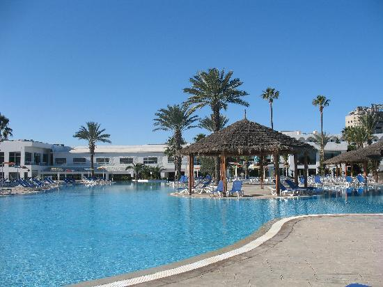 Thalassa Sousse Resort & Aquapark : altra veduta piscina