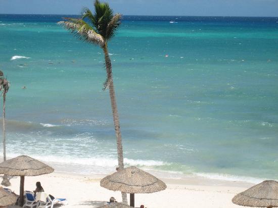The Royal Haciendas All Suites Resort & Spa: beach