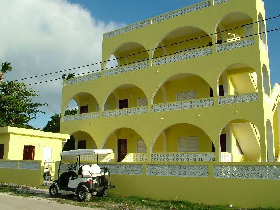 Pancho's Villa: Front View