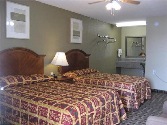American Inn & Suites: Double Room