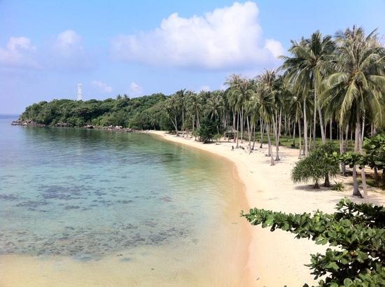 Nirvana Laut Private Island Resort: Private Beach at Niwana Lodge