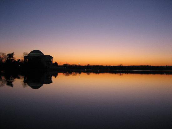 Jefferson Memorial: At sunset