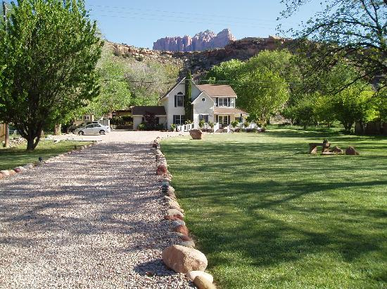 2 Cranes Inn - Zion : what a pretty B&B