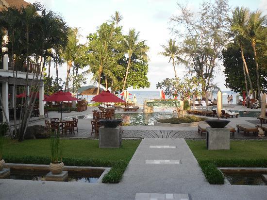 Amari Koh Samui : looking towards the beach from reception