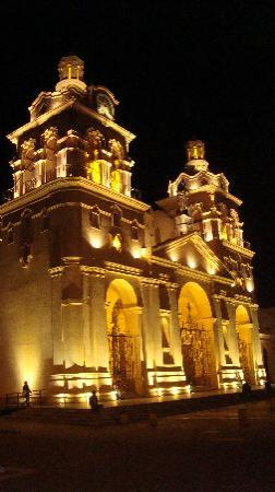 Córdoba, Argentine : la catedral iluminada