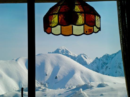 Tateyama Kogen Hotel: 部屋の窓から剣岳が見えます