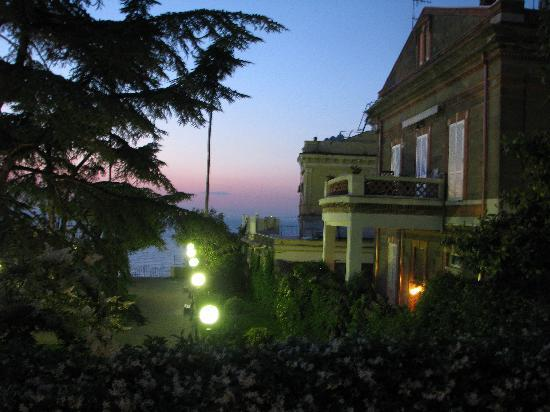 Villa La Contessina: Evening view from balcony