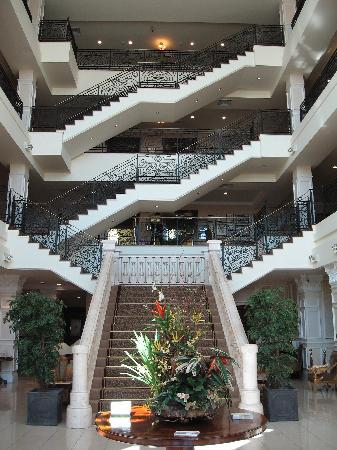 The Heritage Killenard: The hotel lobby