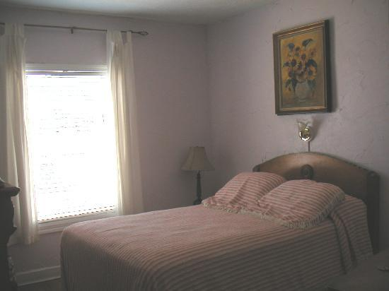 Austin Motel: My room (one of the smallest)