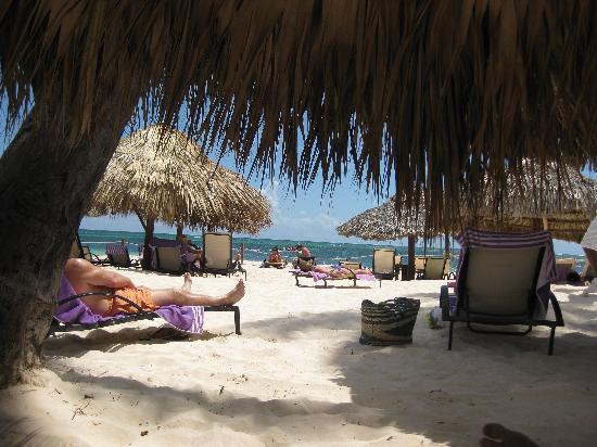 Paradisus Palma Real Golf & Spa Resort: Bali Beds