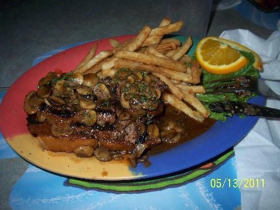 Hurricane Hanks: hurricane meatloaf......................yummy