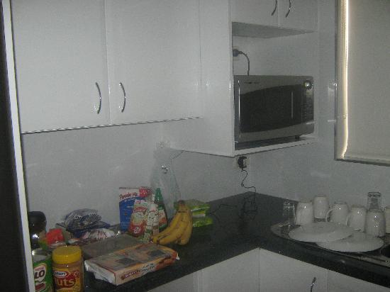 Jesmond Executive Villas: kitchen