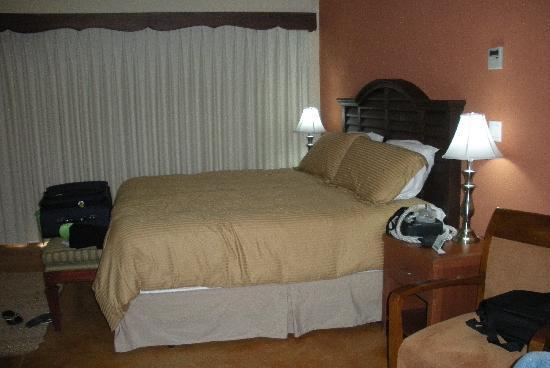 San Angel Suites: Super comfy bed!