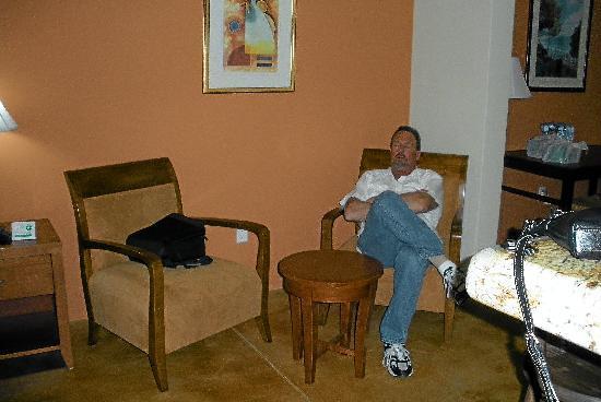 San Angel Suites: 2nd sitting area