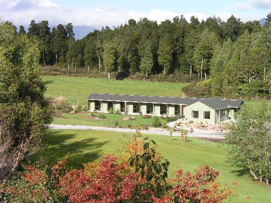 Lake Brunner Country Motel Complex : Cabin lodge-separate cabins