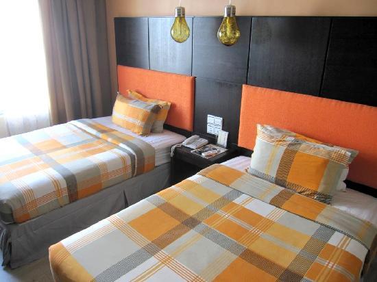 2 Inn 1 Boutique Hotel & Spa: La chambre