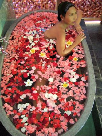 Bali Green Spa: Relaxing Flower Bath