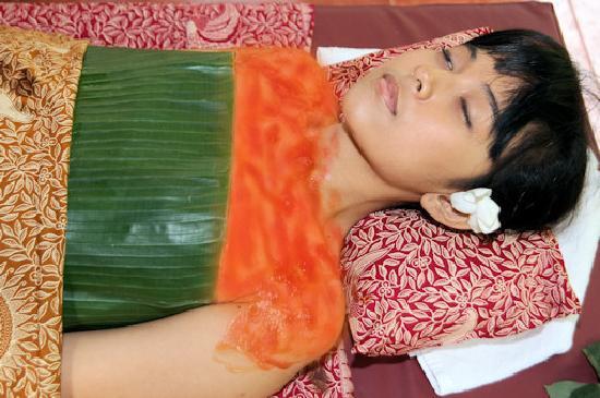Bali Green Spa: Papaya Body Polish And Wrap