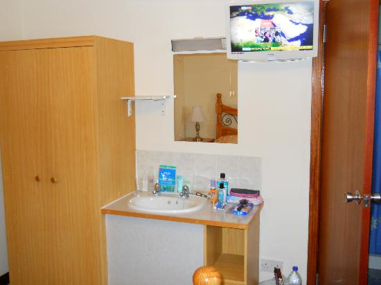 Breiview Guest House: En Suite and an HDTV!