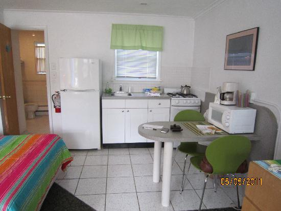 Easterner Motel: Perfect kitchen