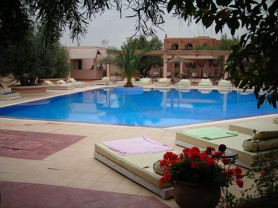 La Maison des Oliviers: piscine