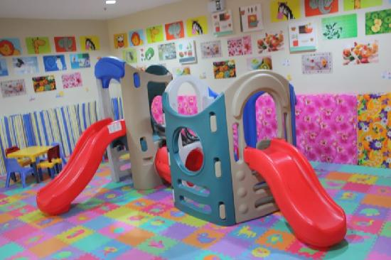 Palmbeach Resort & Spa: playroom for children