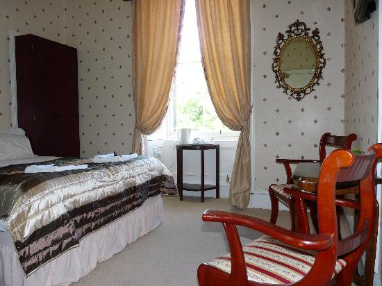 Alba Hills Guest House: double room