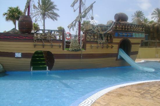Holiday Village: Pirateship watersilde