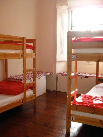 Shiado Hostel: Bunk beds