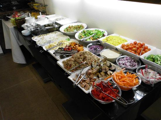 Mercure Tel-Aviv City Center: cold food breakfast items