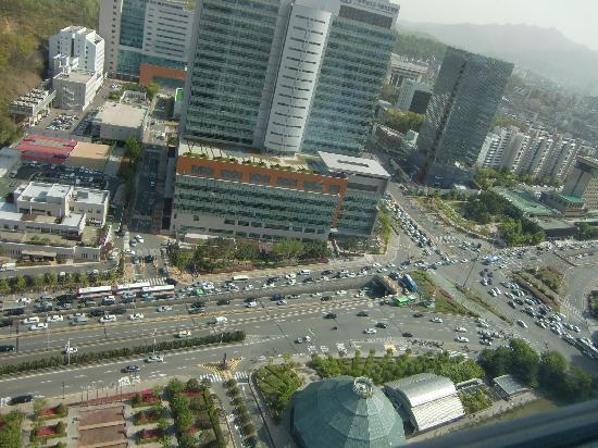 JW Marriott Hotel Seoul : 漢江の反対側クラブラウンジ側