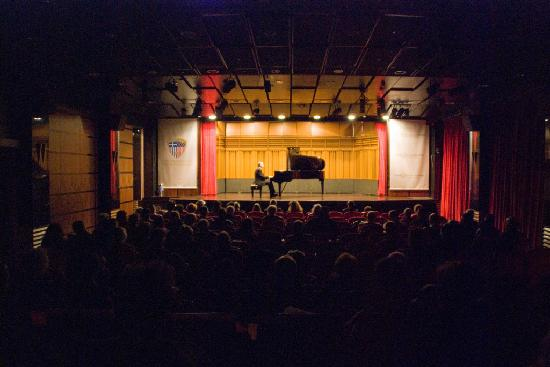 Hellenic American Union -  Concerts