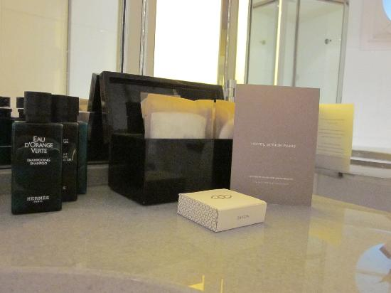 Hôtel Scribe Paris Opéra by Sofitel: Hermes Toiletries