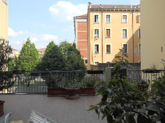 Hotel Trieste: quiet inner courtyard