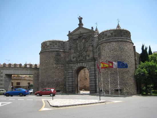 Toledo, Spania: Puerta Bisagra