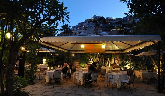 Al Palazzo: Restaurant in the midst of our wonderful gardens