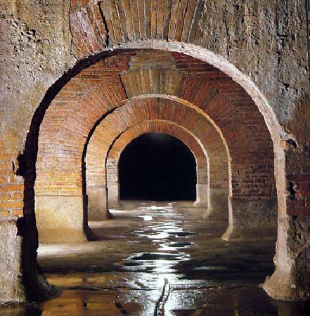Fermo, Italy: Cisterne romane