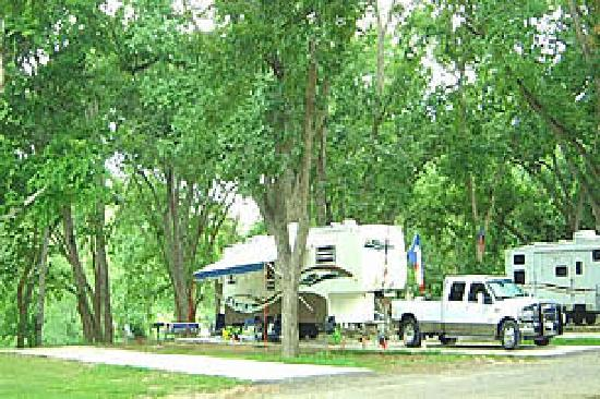 Fentress, TX: Spacious RV sites