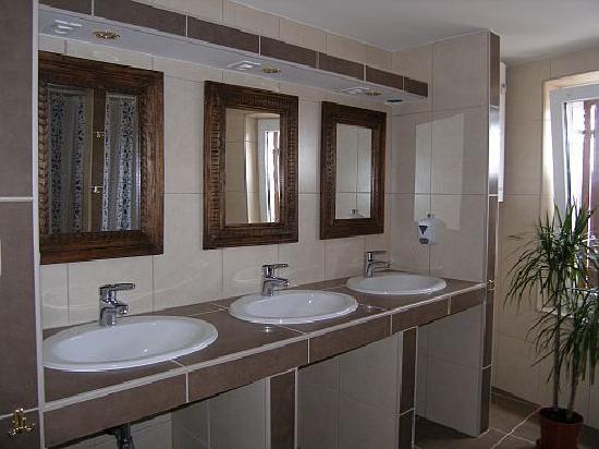 Indigo Hostel: Badezimmer