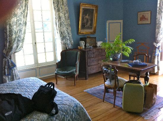 Chateau de Monhoudou : The Blue Room