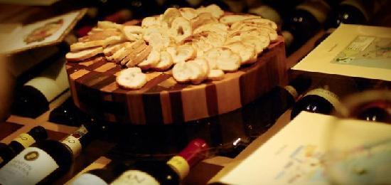 Tabacos y Vinos: Wine Tasting