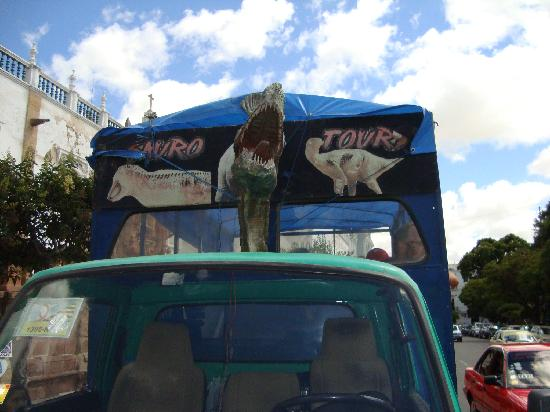 Sucre, Bolivya: The Dinosaur truck