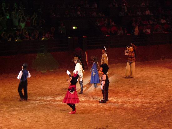 Disneyland París: Minnie & Mickey at Buffalo Bill's Wild West Show