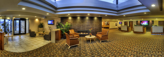 Travelodge Hotel Saskatoon: Lobby Area