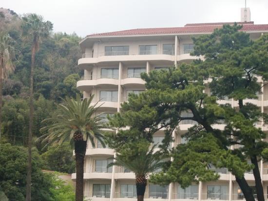 Izu-Imaihama Tokyu Hotel: 海、砂浜から、見たホテル