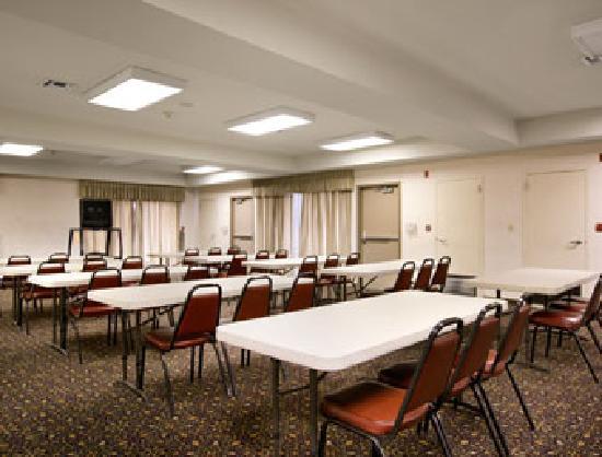 Days Inn Fontana / Rialto: Banquet/Meeting Room