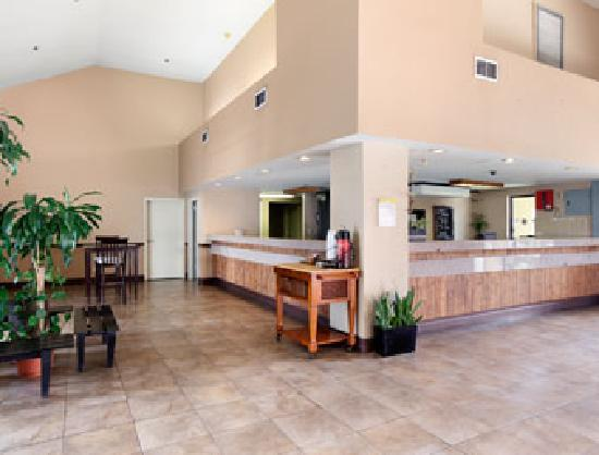 Days Inn Fontana / Rialto: Lobby