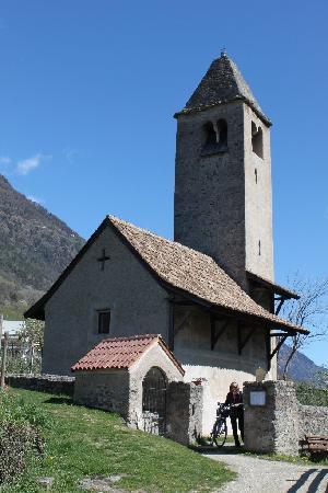 Luxury DolceVita Resort Preidlhof: Chiesa di S. Procolo a Naturno