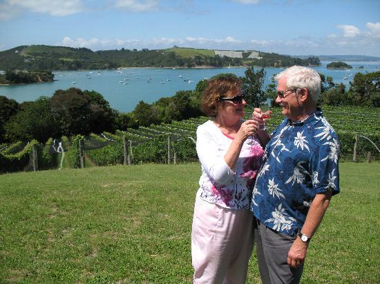 NZWINEPRO - Auckland Wine Tours : Waiheke Island