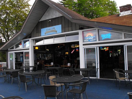 Shepards Cove Restaurant: Same deck